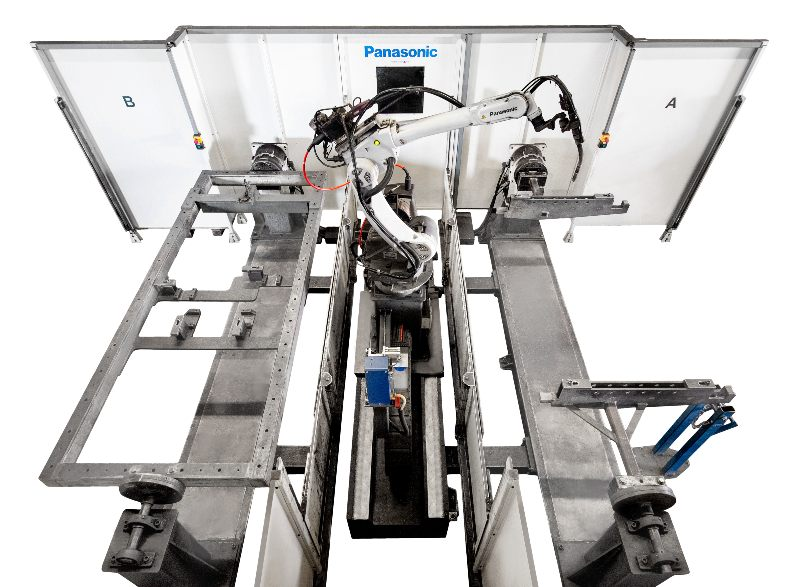 panasonic-wgh3-ta-2500mm shifter robot welding cell